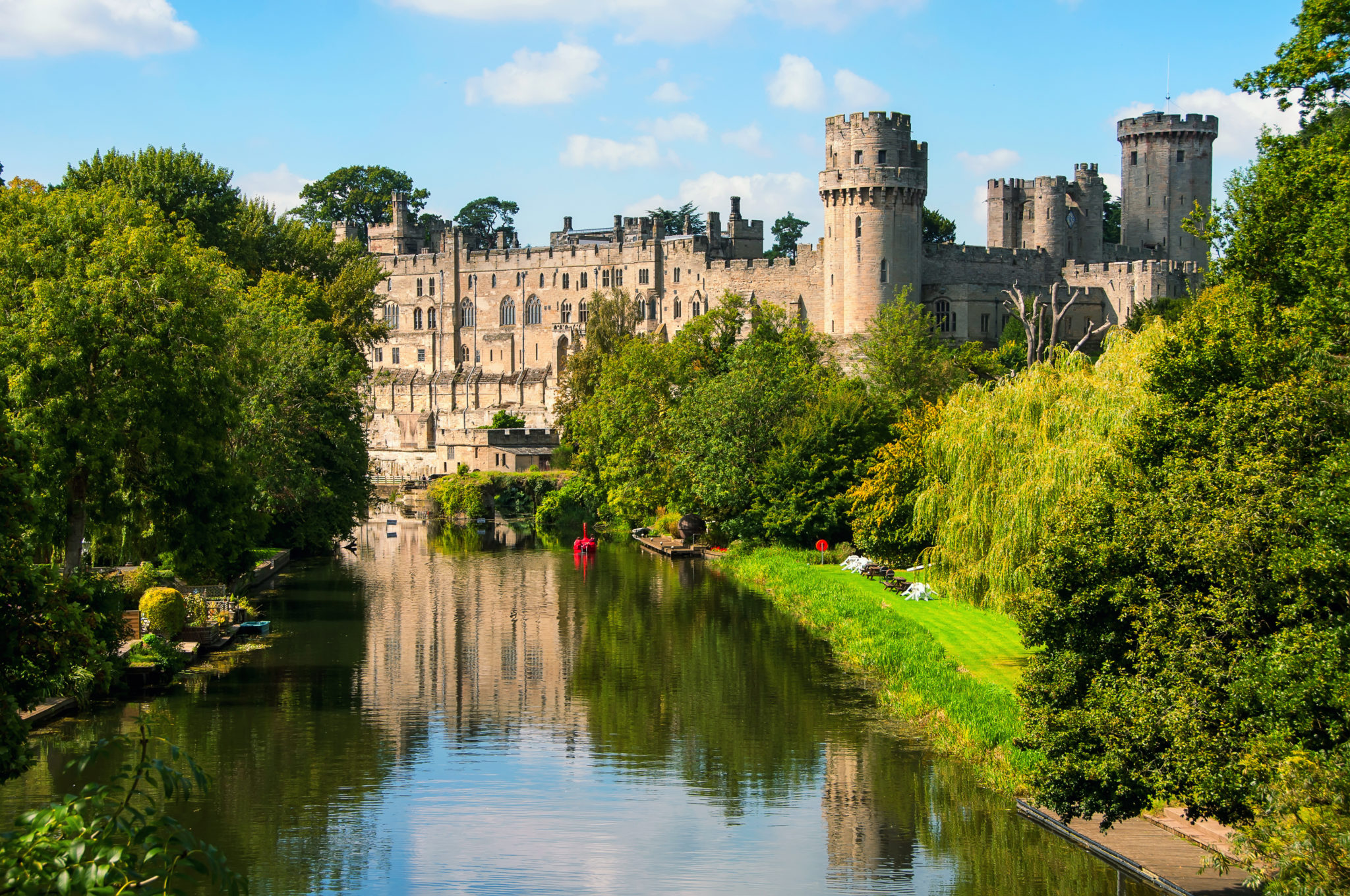 warwick castle historical sites