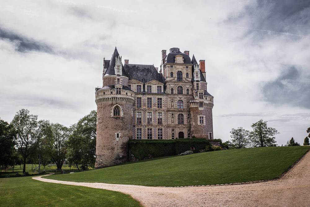 A photo outside Château de Brissac