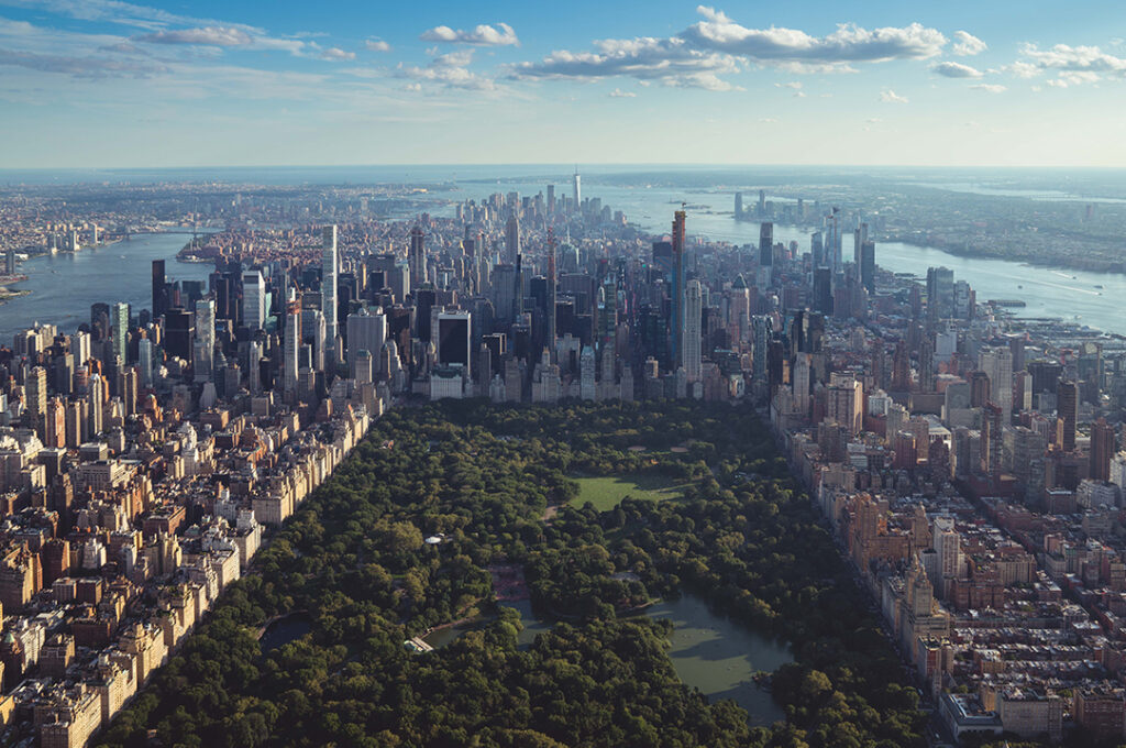 Photo: A view of the Manhattan skyline across Central Park