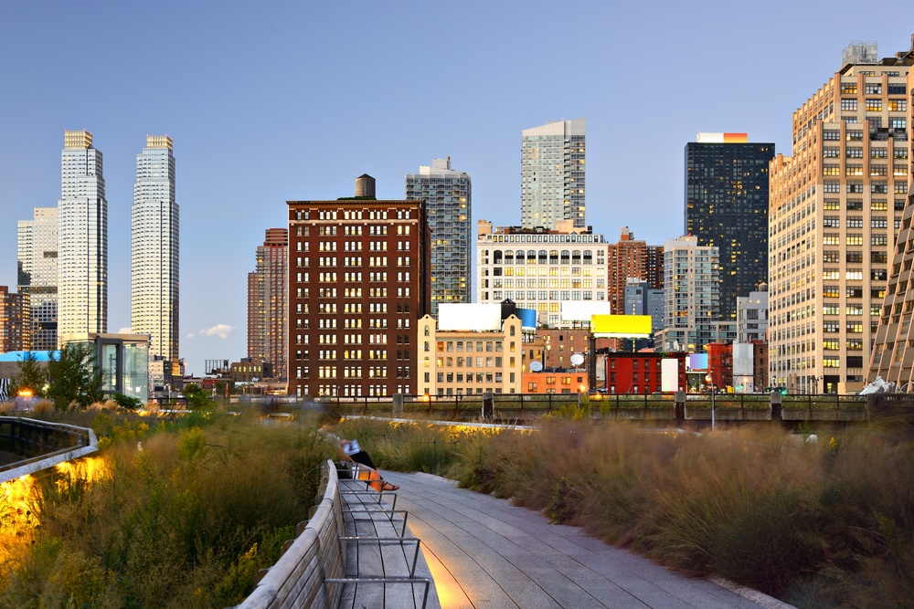 The High Line 1.45-mile-long elevated greenway in New York