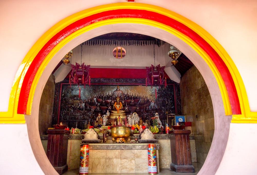 Vihara Dharmayana in Kuta, 19th-century Chinese temple