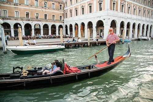 Creative date idea: hop on a gondola