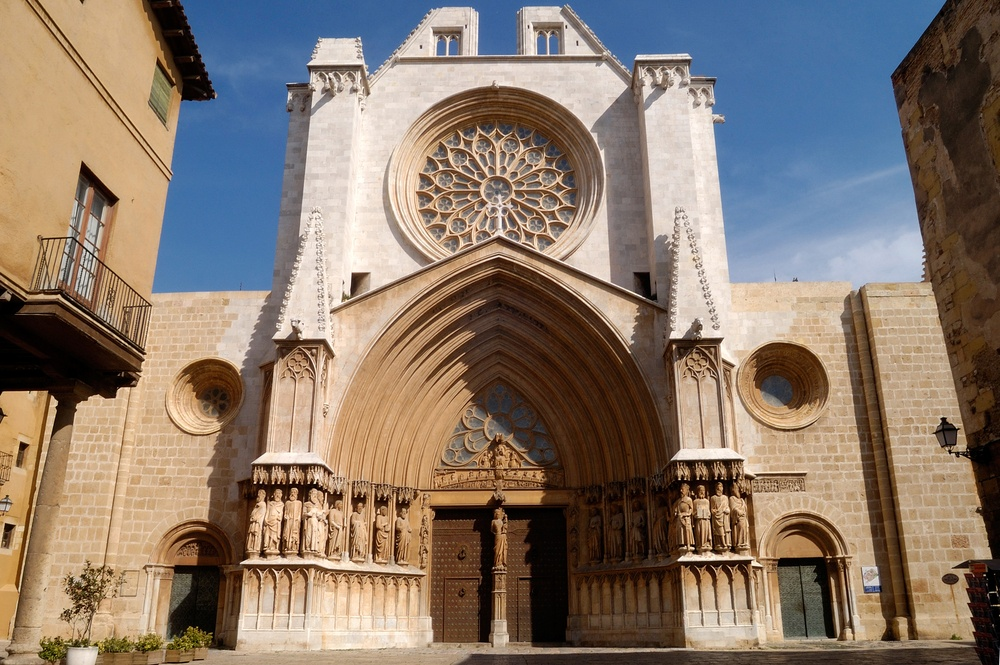 Tarragona Cathedral mixes Romanesque and Gothic architecture, and is well worth a visit during a day trip from Barcelona.