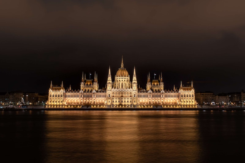 budapest day trip from Vienna should include the Hungarian parliament