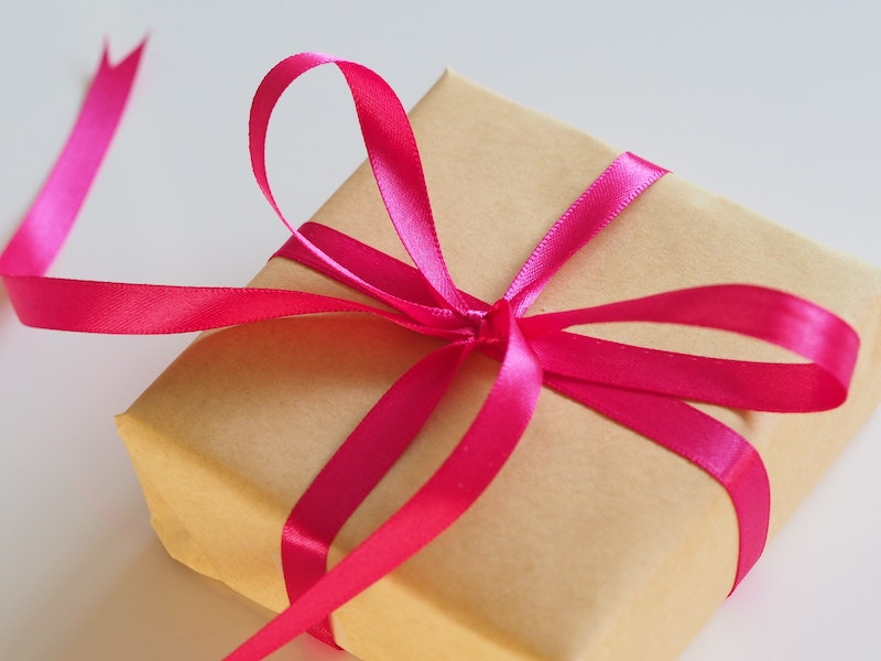 Get loyalty from your customers with a free gift.